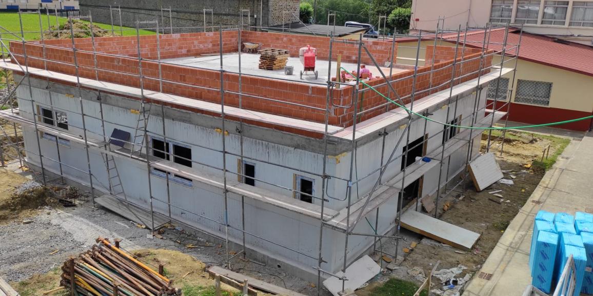 EDIFICIO INSTALTECK PARA COLEGIO EN SOPUERTA